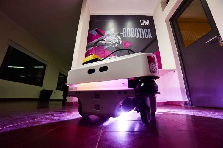 UPRO INCORPORA ROBOTS MOVILES